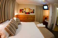 Sardine Run Accommodation room at Cremorne Estate